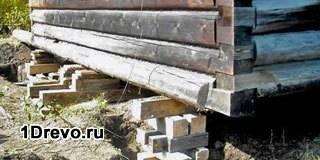Как поднять сруб на фундамент