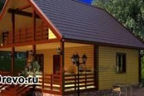 Стильные деревянные дома из бруса с балконом и террасой