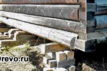 Капитальный ремонт срубового дома - как поднять сруб на фундамент