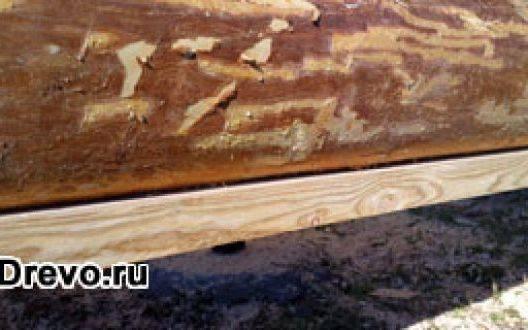 Как укладывается и изолируется подкладная доска под сруб