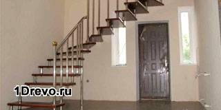 Межэтажная металлическая лестница