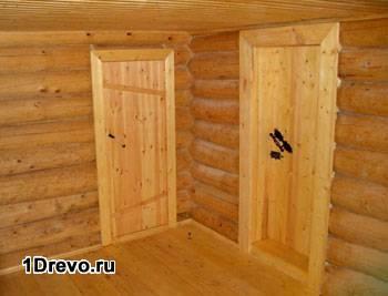 Дверь в бане из липы