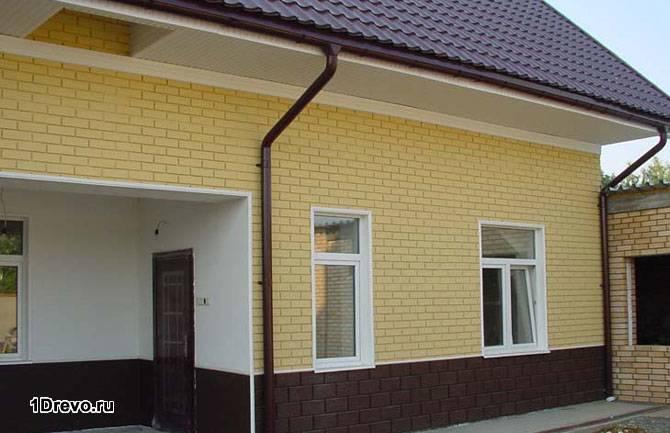 Отделанный панелями дом