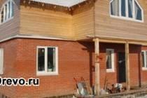 Строительство комбинированного дома из кирпича и бруса