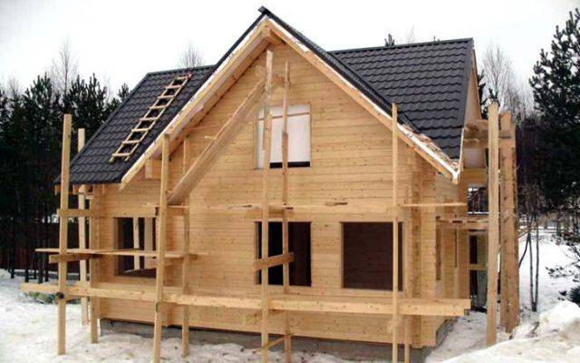 Дом для зимнего проживания: какой брус выбрать по толщине
