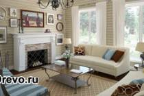 Современный интерьер гостиной деревянного дома