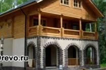 Современный комбинированный дом из дерева и кирпича - шале