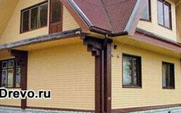 Наружная отделка деревянного дома пластиковыми панелями