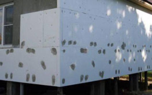 Как правильно обшить деревянный дом пенопластом