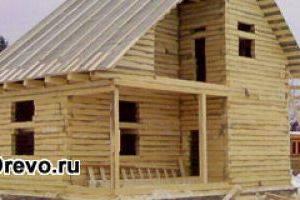 Усадка дома из профилированного бруса естественной влажности: причины и последствия