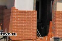 Процедура утепления деревянного дома и обкладка кирпичом
