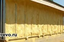 Чем утеплить фасад деревянного дома эффективно и дёшево