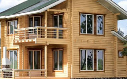 Деревянный двухэтажный дом из бруса