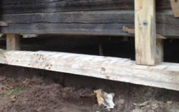 Замена нижнего бруса дома: инструкция