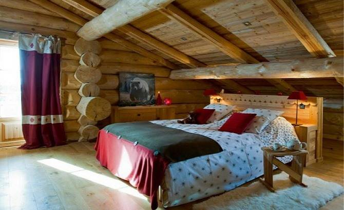 Дом с мансардой из оцилиндрованного бревна