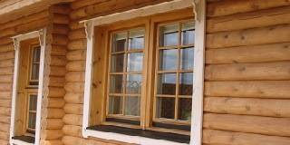 Как врезать окно в сруб