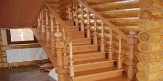 Мансардные лестницы в деревянном доме