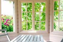 Окна для веранды на даче - какие деревянные окна выбрать