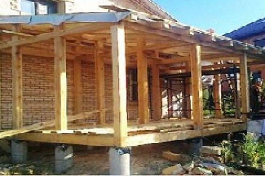 Столбчатый фундамент подходит для дальнейшего возведения дома каркасного типа, деревянной жилой или хозяйственной постройки.