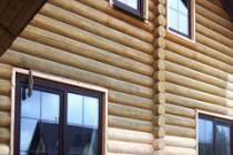 Как и чем отделать фасад дома из оцилиндрованного бревна
