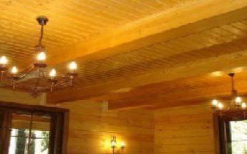Выбор потолков для дома из бруса