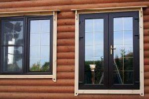 Пластиковые окна в деревянном доме: особенности монтажа окон ПВХ