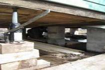 Как поднять веранду домкратом для ремонта фундамента