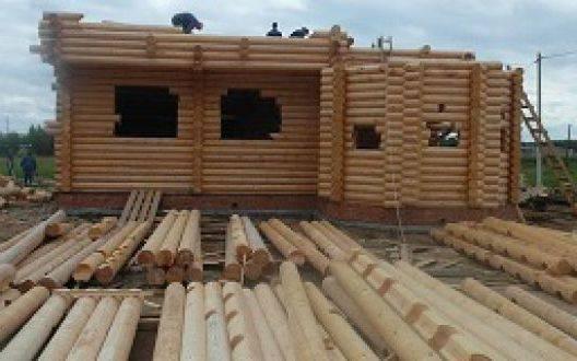 Кто производит срубы из оцилиндрованного бревна в Архангельске