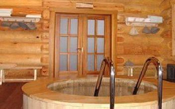 Как строят деревянные дома и бани из оцилиндрованного бревна
