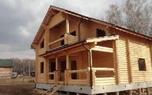 Строительство дома из оцилиндрованного бревна 10 на 10 метров