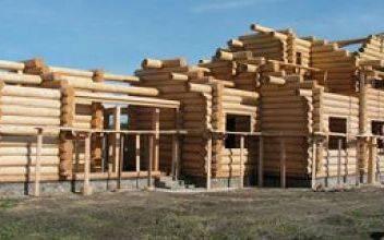 Как строят двухэтажные дома и бани из оцилиндрованного бревна